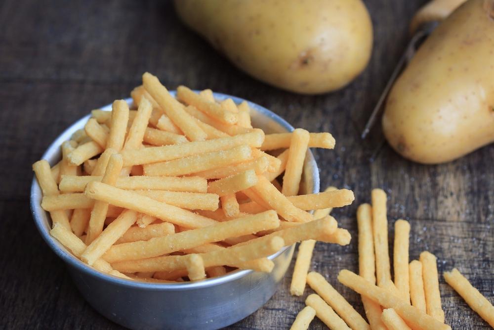 Frietjes met aardappelen