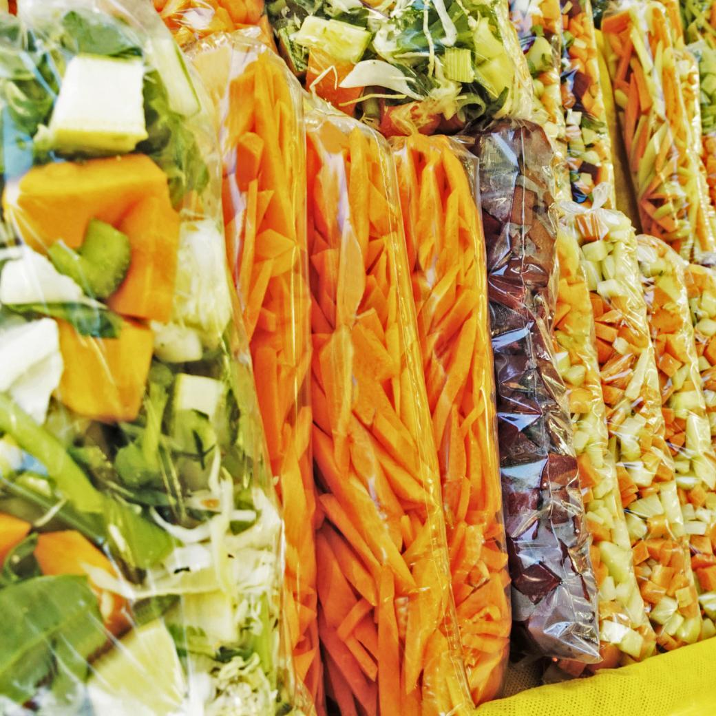 Gesneden groenten in zakjes